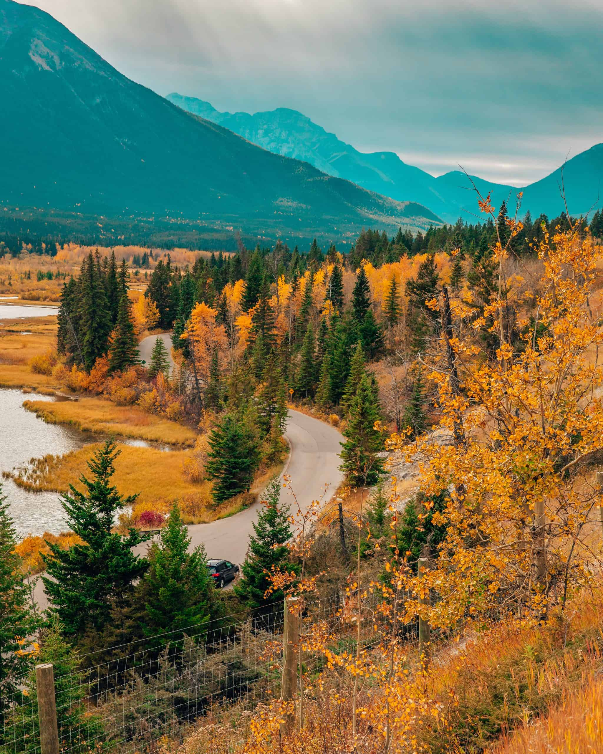 View from Vermillion Lakes Viewpoint in Fall