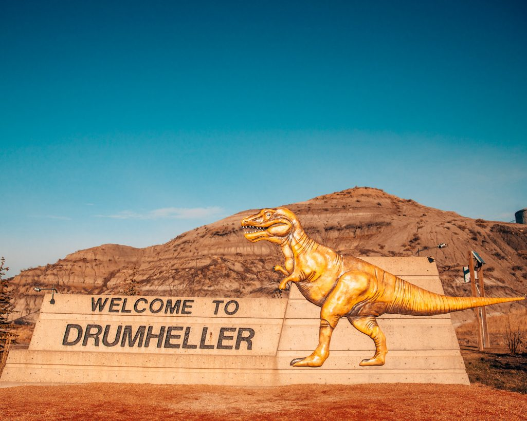 Welcome to Drumheller Dinosaur Sign