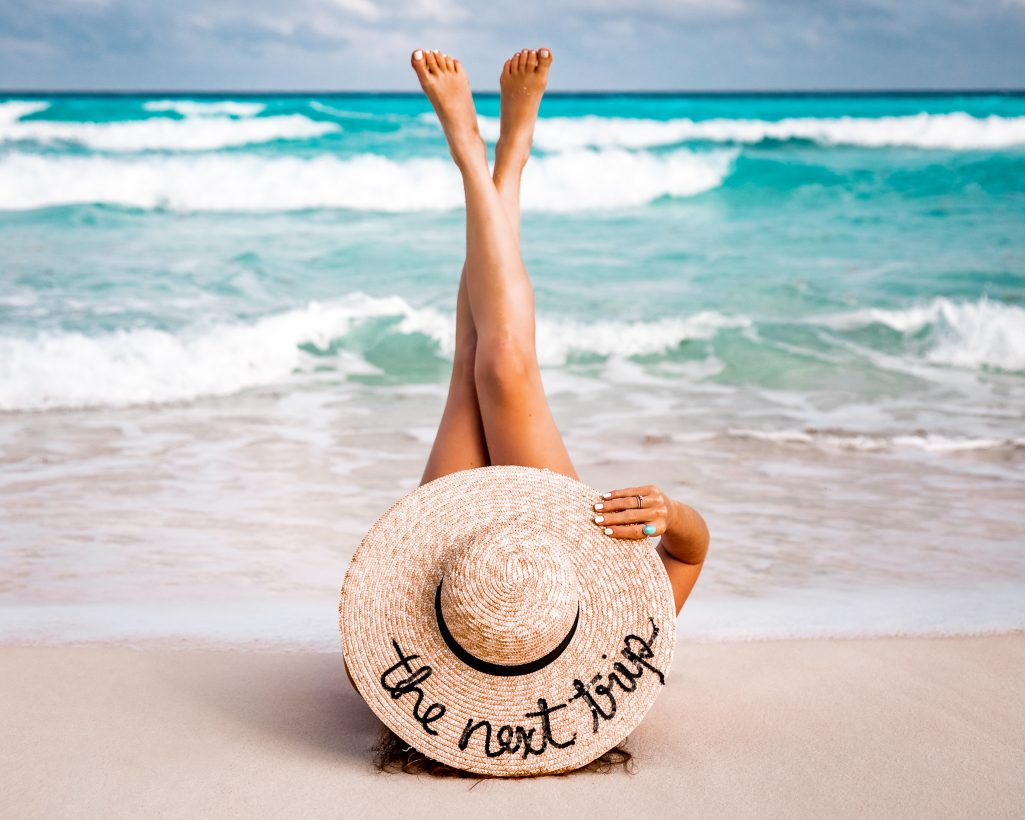 How to Pose for Instagram - Best Beach Instagram Poses