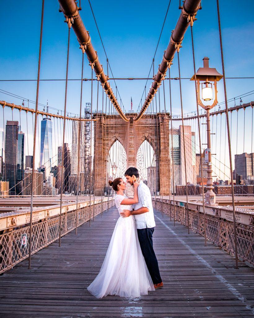Brooklyn Bridge Couple Travel Bucket List