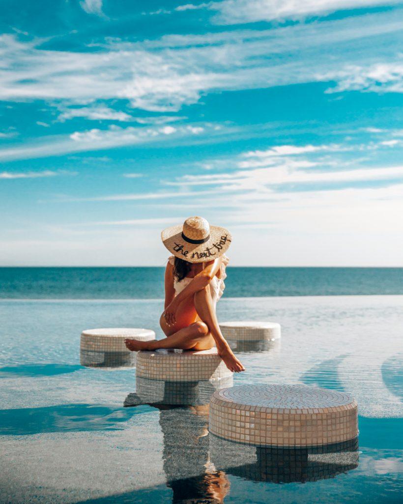 Luxury Cabo Resorts Pool Bar