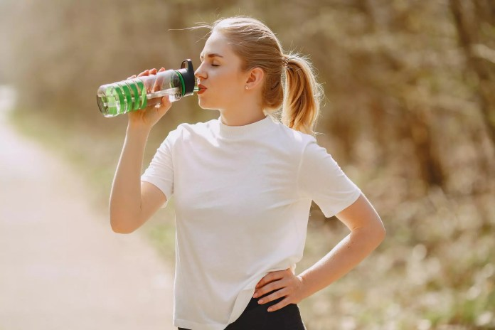 How To Tell If You Are Dehydrated: 11 Early And Warning Signs