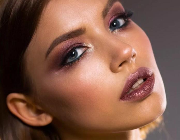 3 Ways To Make A DIY Setting Spray For Long-Lasting Makeup