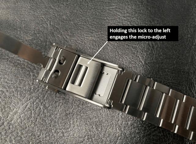 Zelos Horizons bracelet micro-adjust mechanism