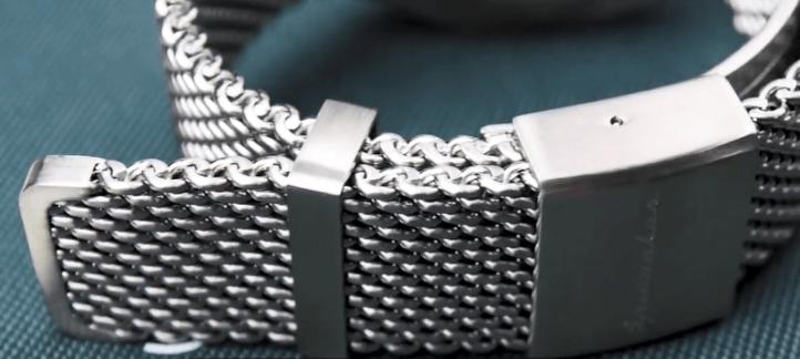 Solid Mesh bracelet of the Spinnaker Dumas