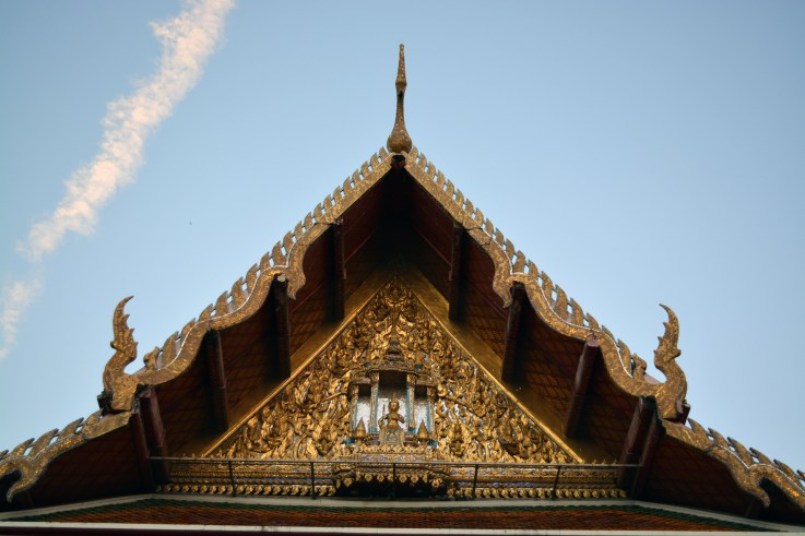 A walk inside the Temple of the Reclining Buddha (Wat Pho), Bangkok, Thailand