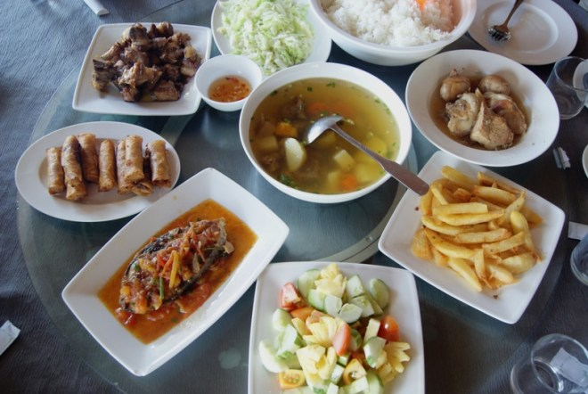 lunch in Phong Nha thenomadqueen