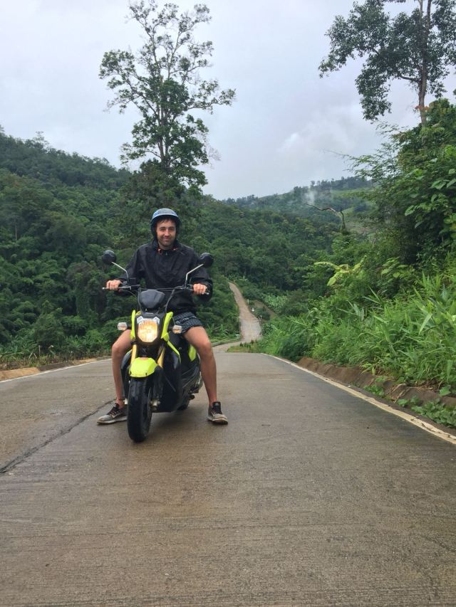 10 fun things to do in Pai scooter