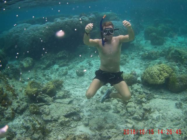 island hopping tour el nido snorkelling