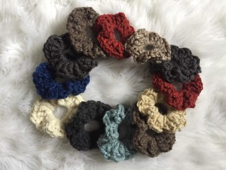 How to crochet a scrunchy pattern