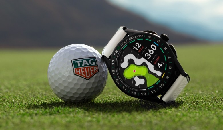TAG Heuer connected golf watch dial maps