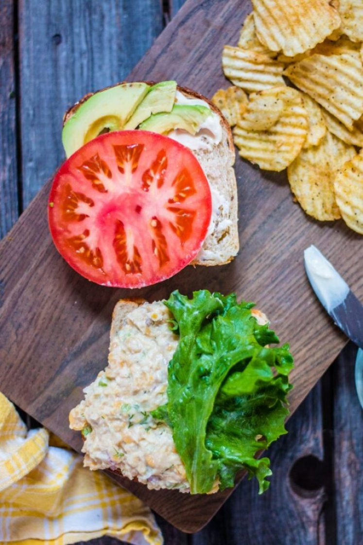 "Simple and delicious vegan chickpea ""tuna"" salad 