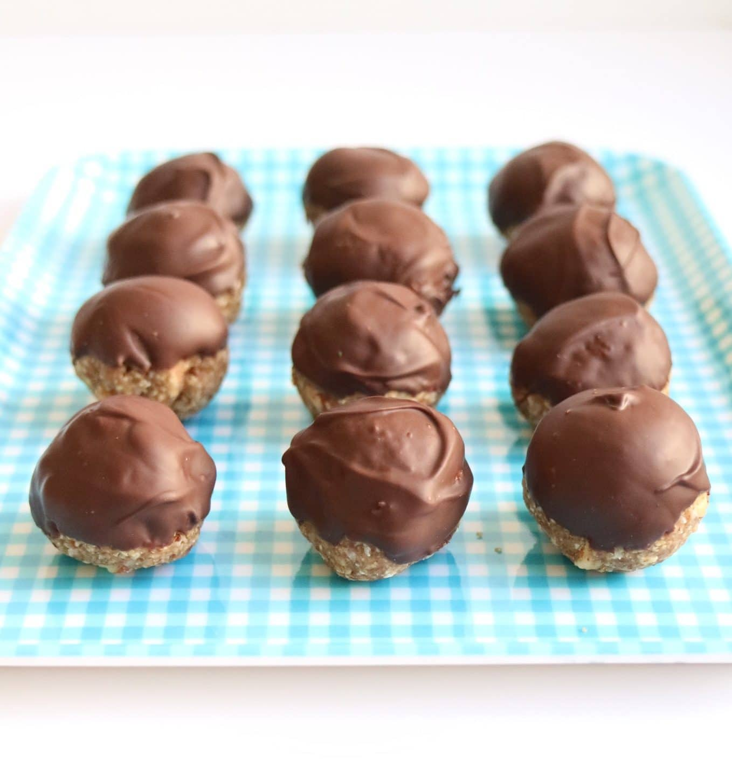 Chocolate Banana Oat Bites