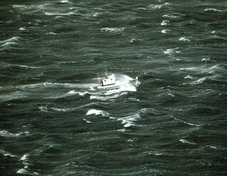744-34-ikaria-sturmboot450.jpg