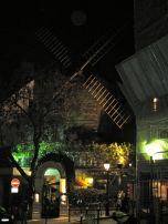 I took Eric to see the old moulin that is still intact up on the hill. Of course, it is now a fancy restaurant.