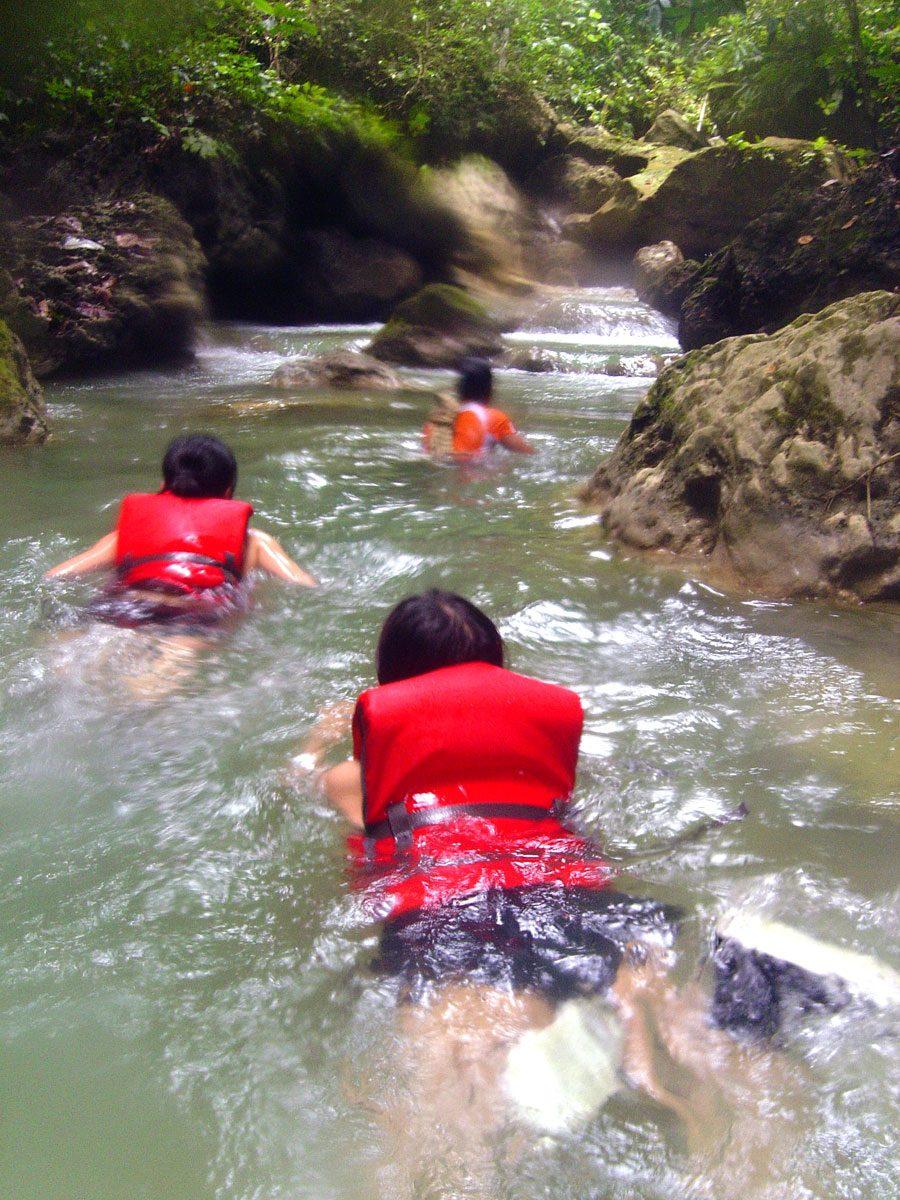 Cebu Moalboal Kawasan River Swim