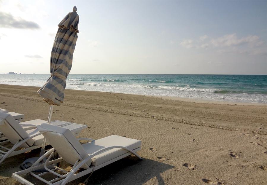 Abu Dhabi Saadiyat Beach Club Deckchairs