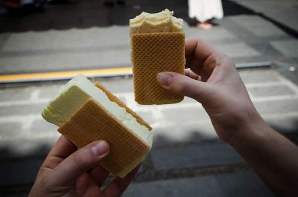 Singapore Food - Wafer Ice Cream