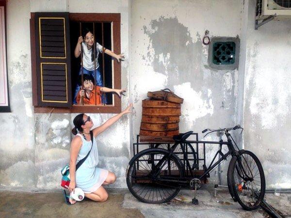 Penang Street Art - Stealing baos