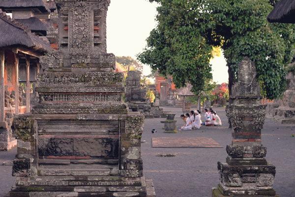 Bali Taman Ayun Prayer