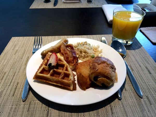 Crowne Plaza Changi Airport - Club Breakfast