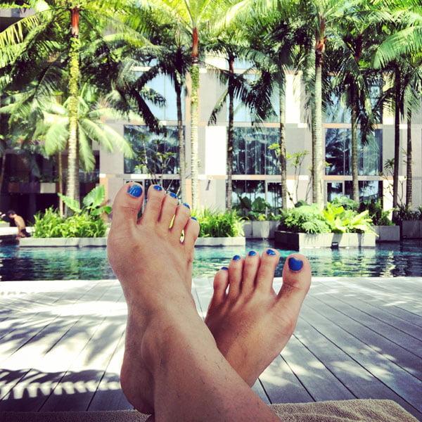 Crowne Plaza Changi Airport - Pool Toes