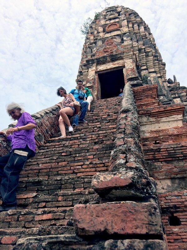 Ayuthaya - Wat Chaiwatanaram Stairs