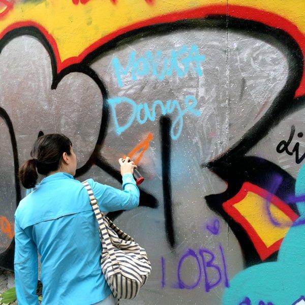 Portugal - Lisbon Street Art GAU In action
