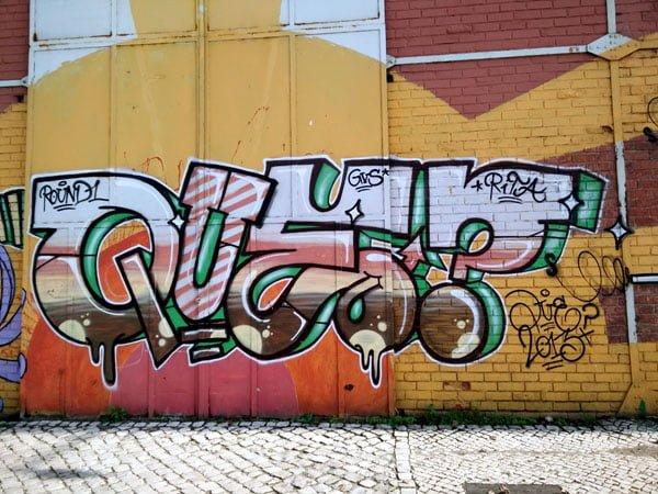 Portugal - Lisbon Street Art Santa Apolonia que