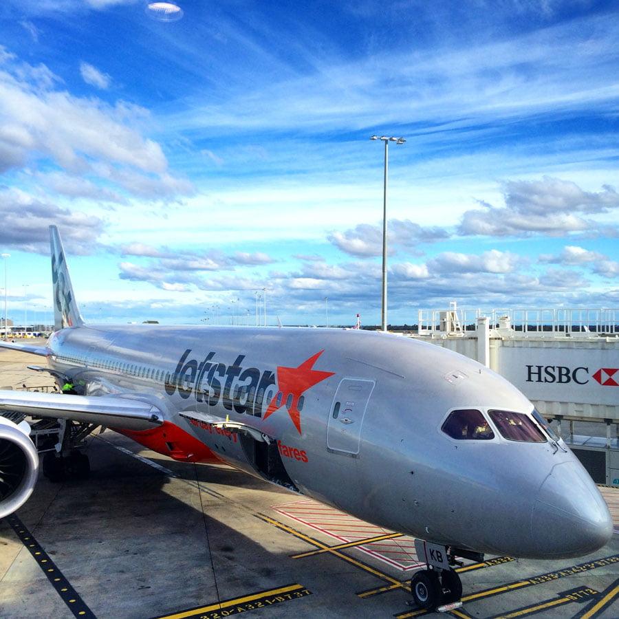 Flying Jetstar's Dreamliner 787 from Singapore to Melbourne