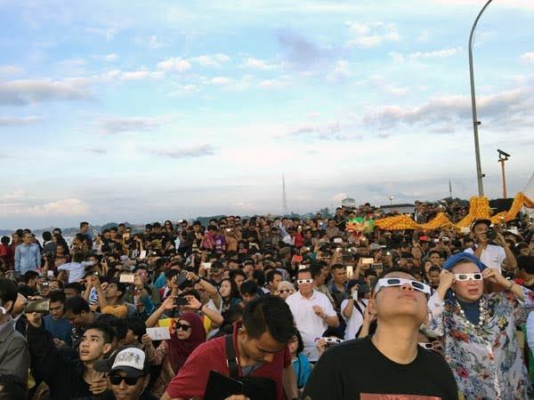 South Sumatra Palembang Eclipse Bridge Crowds