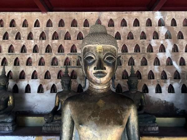Laos Vientiane Sisaket Buddha Many