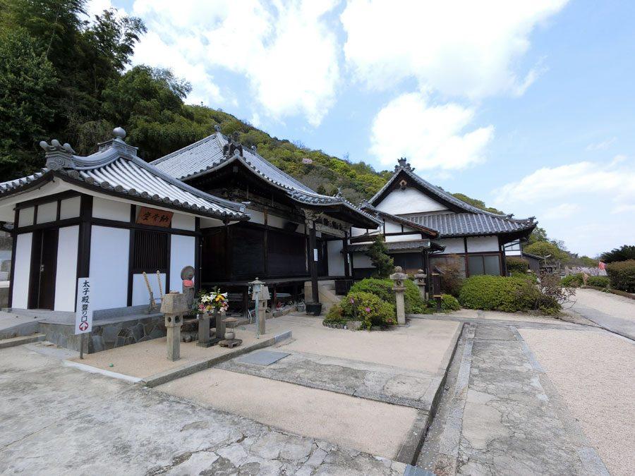 Tomonoura Ioji Temple