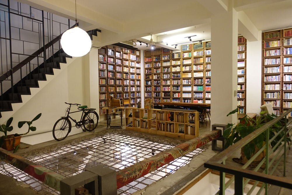 Tainan Caoji Book Inn Gallery