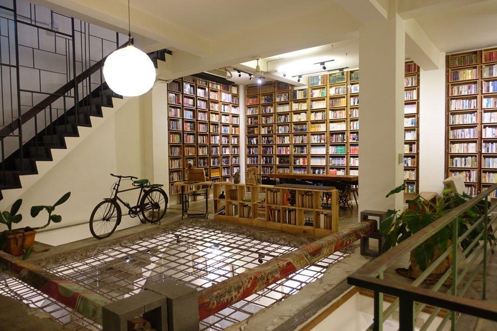 Tainan Caoji Book Inn Gallery