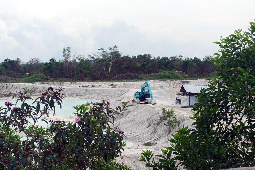 Belitung Kaolin Lake Excavator