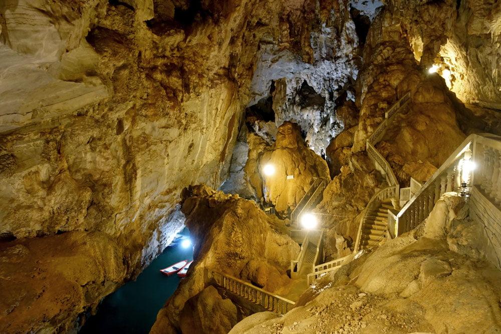 Laos Thakhek Nang Aen Cave Stairs