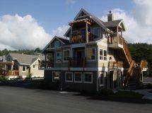Ocean-lodge-cannon-beach-hotel-exterior-2 - Ocean