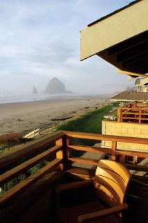 Ocean-lodge-cannon-beach-hotel-exterior-4 - Ocean