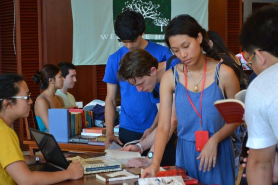 During Orientation, I'dECO and the YNC bookstore held a flea market where upperclassmen sold their secondhand books and other goods. (Lai Ying Tong)