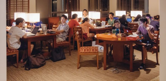 Crowded study spaces have raised concerns on whether NUS students should use Yale-NUS facilities. (David Zhang)