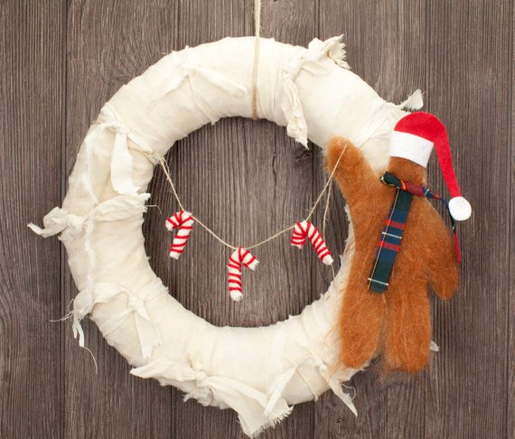 orangedogcrafts sasquatch wreath