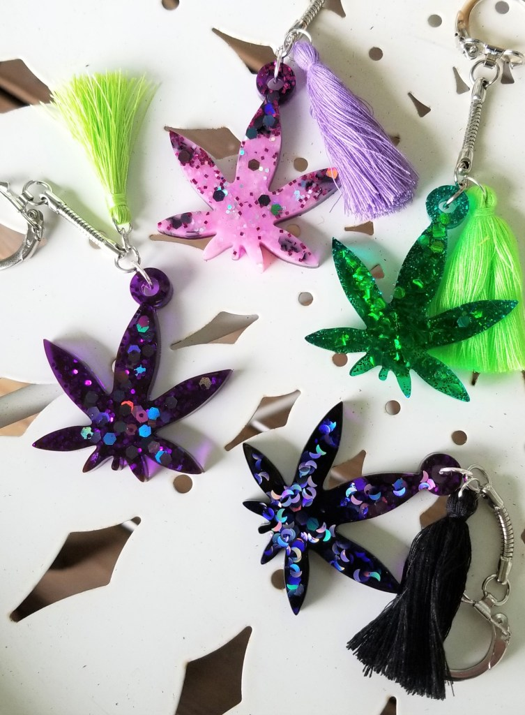 resin pot leaf keychains
