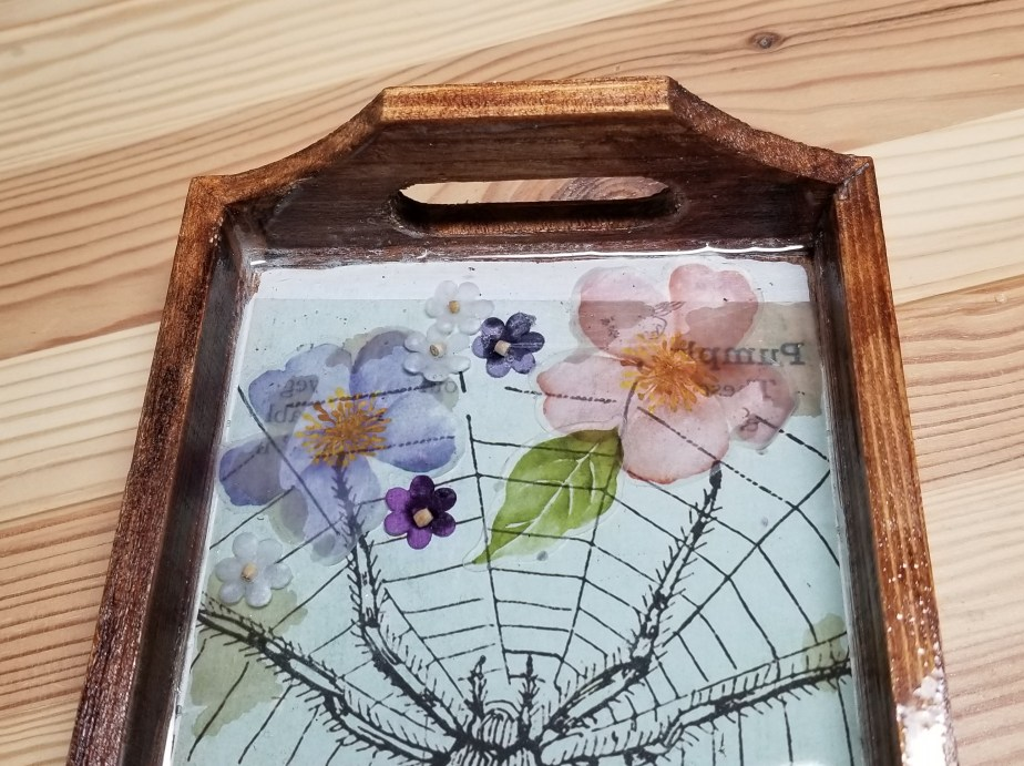 spider resin tray