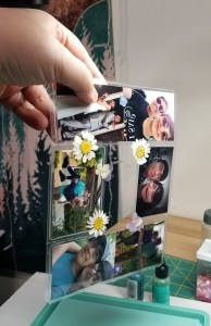 how to keep flowers from moving in resin