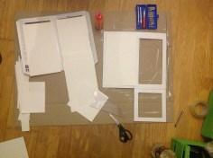Akvarellpapir limes fast (jeg endte med å teipe fast papiret til slutt..)