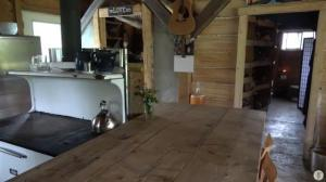 off grid home Kitchen Table