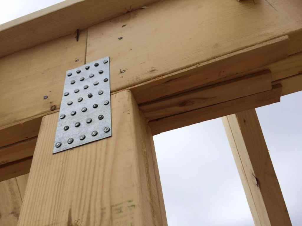Shimming-The-Off-Grid-Cabin-Ridge-Beam-Support-Post