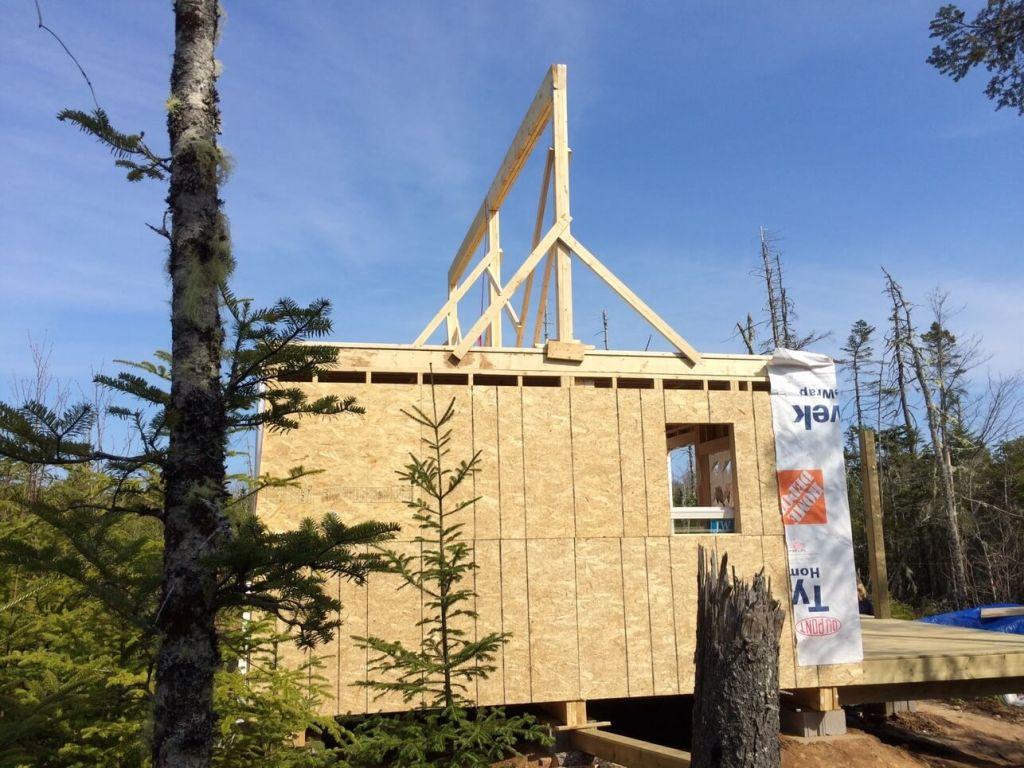 The-Off-Grid-Cabin-Roof-Ridge-Beam-3