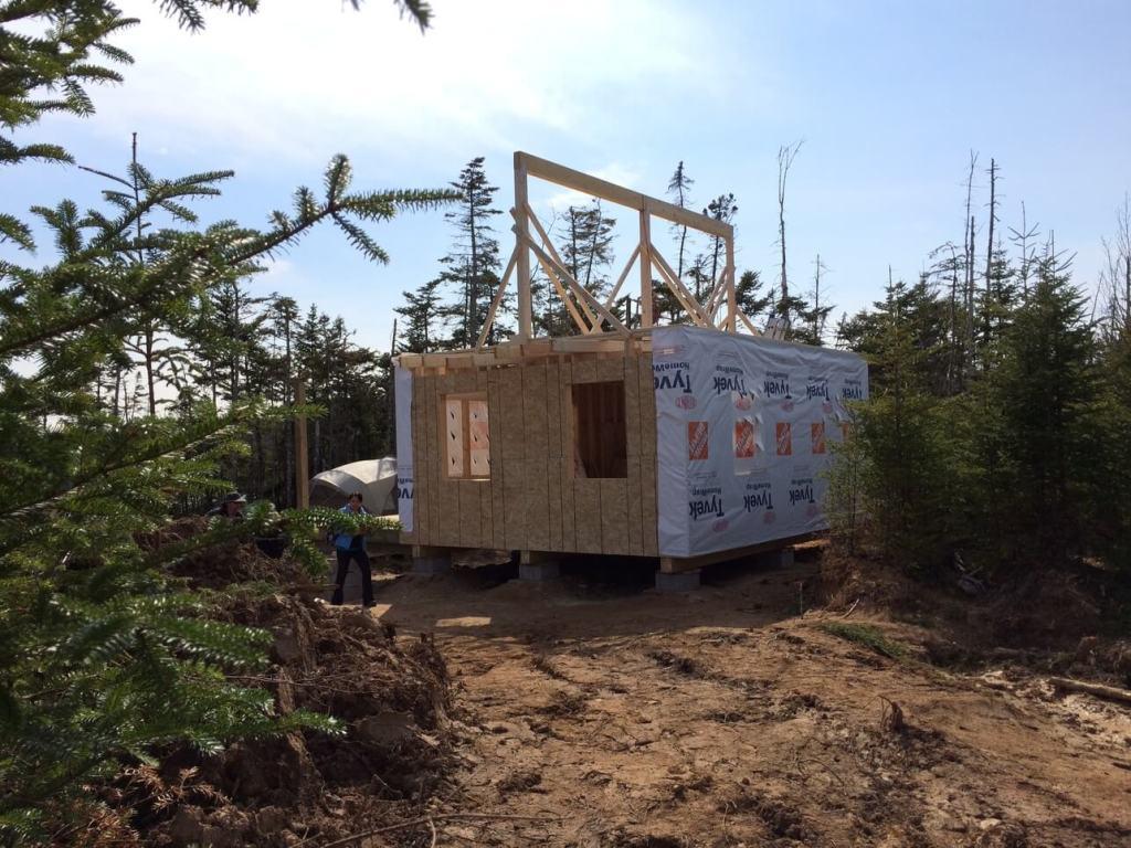 The-Off-Grid-Cabin-Roof-Ridge-Beam-6